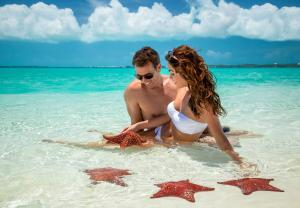 obrázek - Sandals Emerald Bay Golf, Tennis and Spa All Inclusive Resort - Couples Only