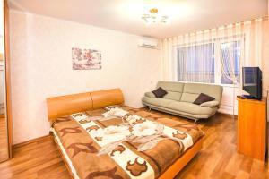 Apartments at Lva Yashina 10, Apartmanok  Toljatti - big - 9