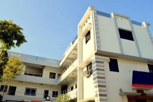 Auberges de jeunesse - OYO 3784 Hotel Durga