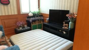Maggie's super clean& cozy apt, Апартаменты  Шанхай - big - 27