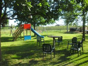 agriturismo le gazze, Farmházak  Camposanto - big - 11