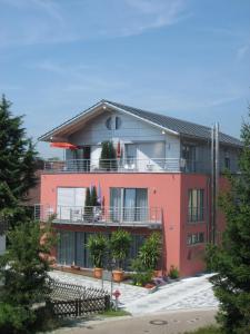 Haus Lorenz, Ferienwohnungen - Immenstaad am Bodensee