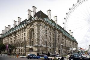 Premier Inn London County Hall - London