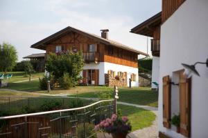 Pineta Natural Chalet - AbcAlberghi.com
