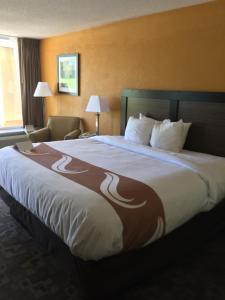 Quality Inn Troy, Hotel  Troy - big - 1