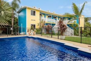 Coral Inn Resort and Flashpackers