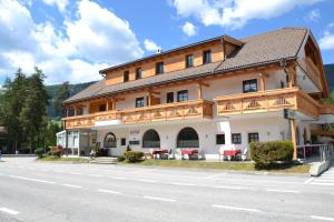 Residence Olympia, Residence  Dobbiaco - big - 9