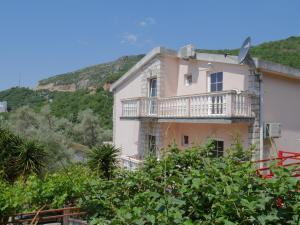 Отели Черногории для отдыха без детей