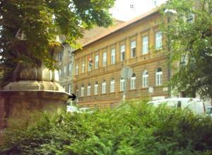 Season Hostel