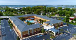 Cedar Point's Express Hotel, Отели  Сандаски - big - 1