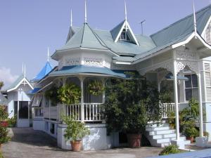 Trinidad Gingerbread House - Coco