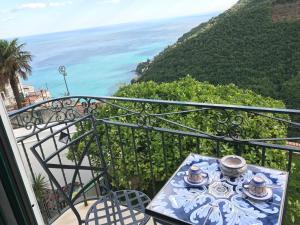 villa verde sul mare - AbcAlberghi.com