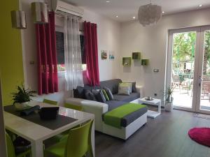 Apartment Adis
