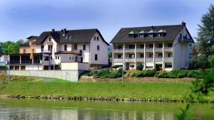 Hotel Straubs Schöne Aussicht - Erlenbach am Main