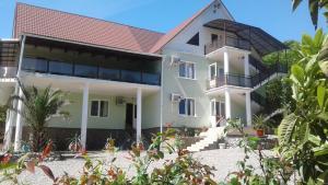 Guest house KARDEN, Якорная Щель