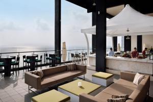 Mövenpick Hotel Colombo (11 of 56)