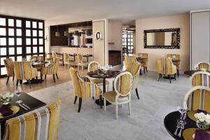 Mövenpick Hotel Colombo (30 of 56)