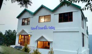 Hostels e Albergues - Hotel Emerald Valley