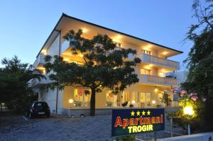 Apartmani Trogir, Апартаменты  Трогир - big - 1
