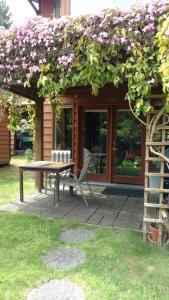 Nestledown B&B - Accommodation - Halfmoon Bay