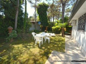 Lignano Pineta small and nice, Дома для отпуска  Линьяно-Саббьядоро - big - 15