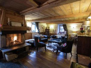 Luxury chalet full of atmosphere near the center of Morzine with sauna & hottub - Hotel - Morzine