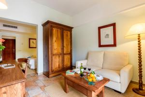 Hotel Cala Sant Vicenç (4 of 55)