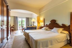Hotel Cala Sant Vicenç (2 of 55)
