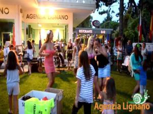 Lignano Pineta small and nice, Дома для отпуска  Линьяно-Саббьядоро - big - 30