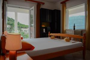 Double or Twin Room Balcony and Sea View Accommodation Drasko