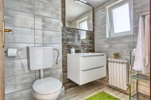 Apartments & Bungalows Ivanović, Affittacamere  Kaštela (Castelli) - big - 36