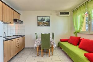 Apartments & Bungalows Ivanović, Affittacamere  Kaštela (Castelli) - big - 62
