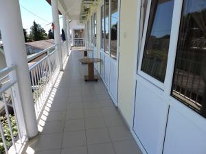 Guest House Ostrov Sokrovishch, Penziony  Loo - big - 132