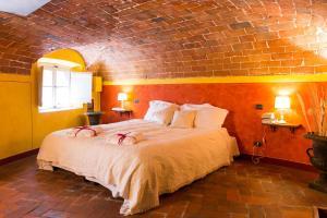The Mezzanine within the Walls - AbcAlberghi.com