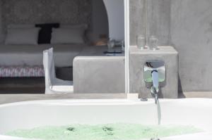 The Saint Vlassis, Hotels  Naxos Chora - big - 57