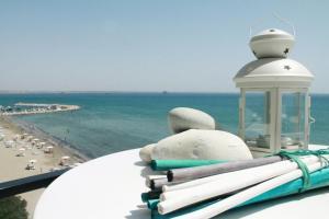 Lazuli Beachfront Penthouse 504