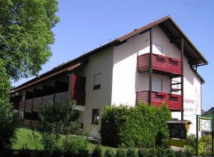 Landhaus Vogelweide - 2 Zimmer mit Balkon, Apartments  Bad Füssing - big - 1