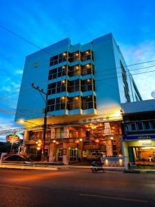 Lake Inn Hotel - Ban Nam Krachai