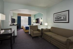 Holiday Inn Express Hotel & Suites Plant City, Отели  Плант-Сити - big - 26