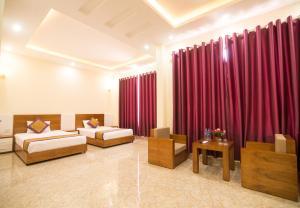 1001 Nights Hotel - 27 Huong Tram
