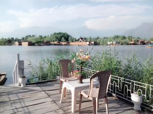 Kashmir View Houseboat, Отели  Сринагар - big - 24