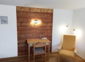 Hotel Alpenblick, Szállodák  Zeneggen - big - 41