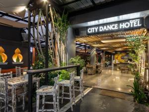 City Dance Hotel - Ban Nai Na