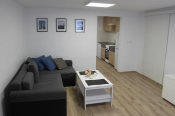 pokoje Bochnia Różana 24 Mieszkanie budynek parter