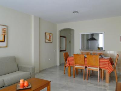 APARTAMENTOS MAR Y GOLF