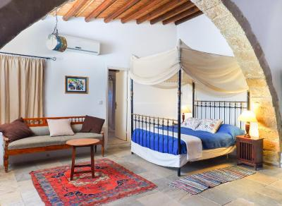 Zoes Traditional Apartments, Bed & Breakfast