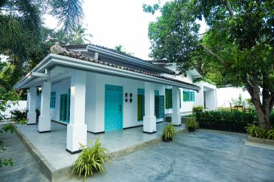 Villa Baya Weaver