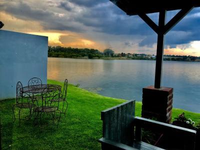 Loch Athlone Overnight Accommodation