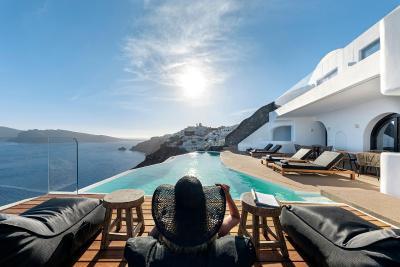 Olvos Luxury Suites