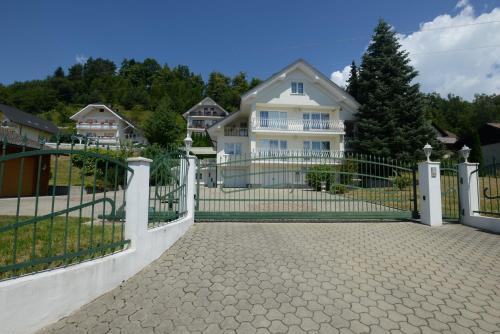 Family Villa Bled - Accommodation